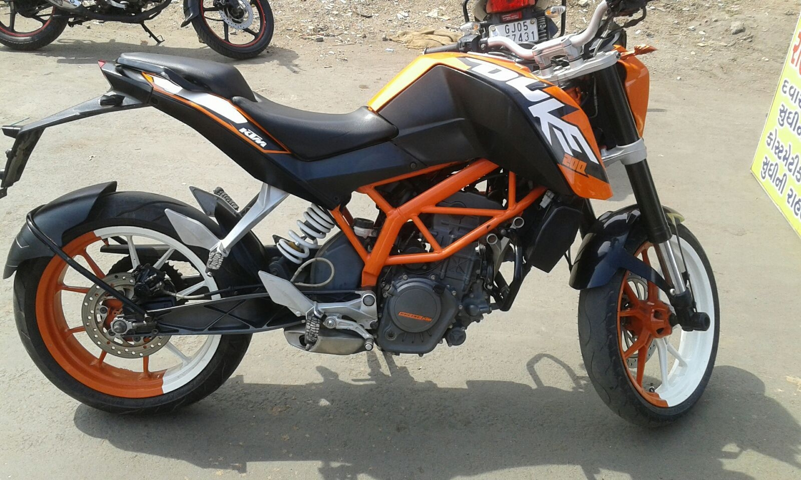 used 2012 ktm duke bike for sale in surat- (id:1415238504) - droom