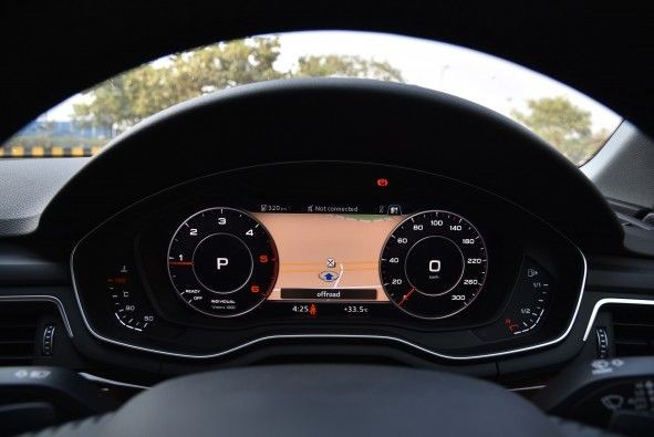 The all-digital Virtual Cockpit instrument cluster looks high-tech and can be customised in a host of ways.