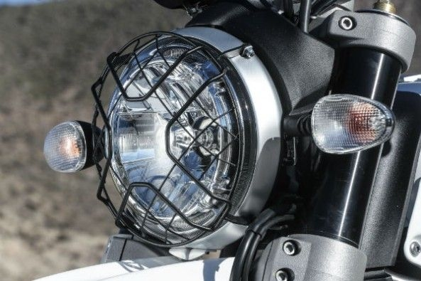 Headlamps get wire-grille.