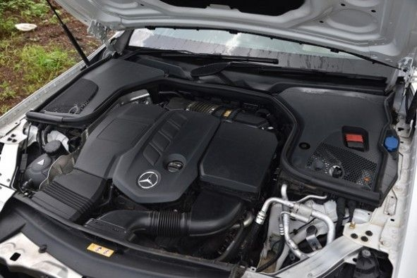 4-cyl, turbo-diesel making 194hp and 400Nm of torque.