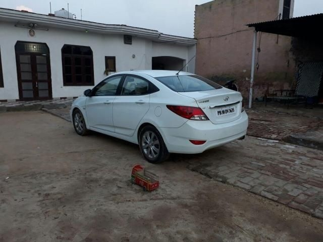 Hyundai Verna 1.6 SX CRDI AT 2012