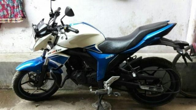 New Suzuki Gixxer SF Fi Check Prices Mileage, Specs, Pictures