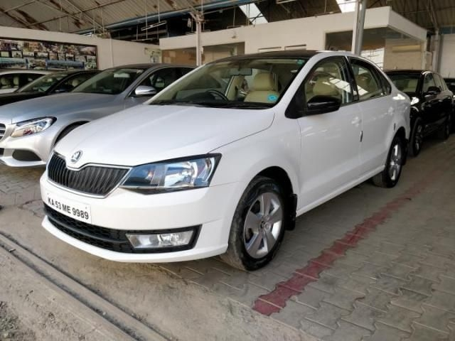 Skoda Rapid 1.6 MPI AMBITION ALLOY MT 2018