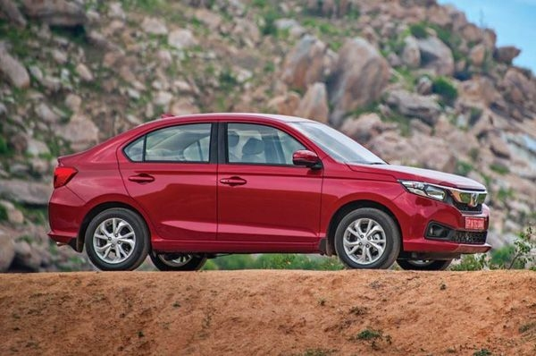 Here's what you get with each variants of Honda's new Amaze