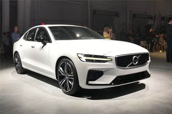 Volvo takes wraps off India-bound S60