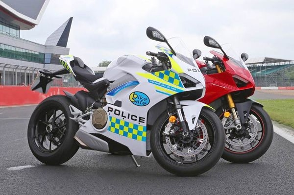 UK police gets Ducati Panigale V4
