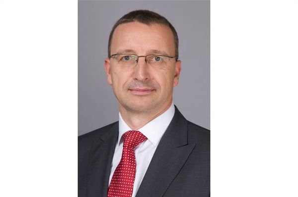 Change of guard at Mercedes-Benz India