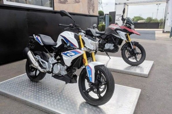BMW launches G 310 R and G 310 GS.