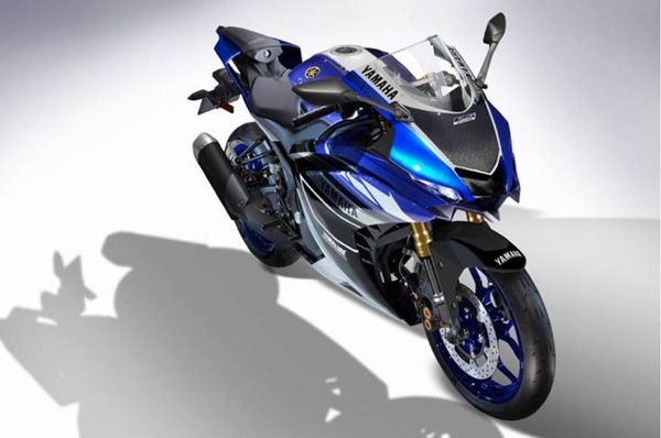 Yamaha's next-gen R25 spotted testing