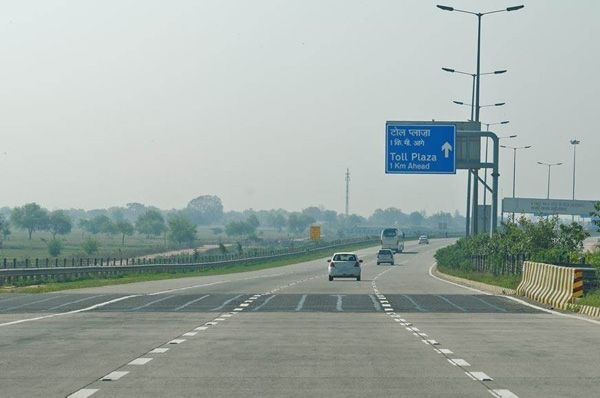 Work on Delhi-Mumbai expressway will start from December 2018