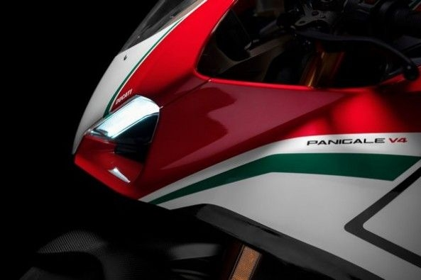 Ducati Panigale V4 Speciale 3