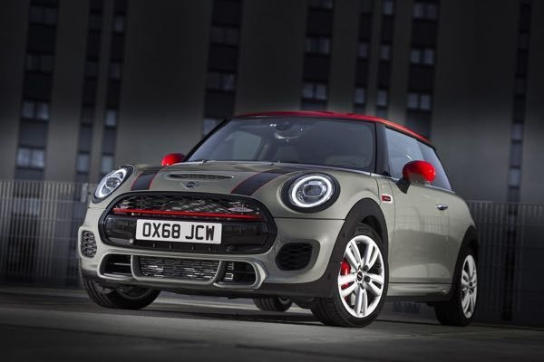 2019 MINI Cooper S JCW Revealed For Europe