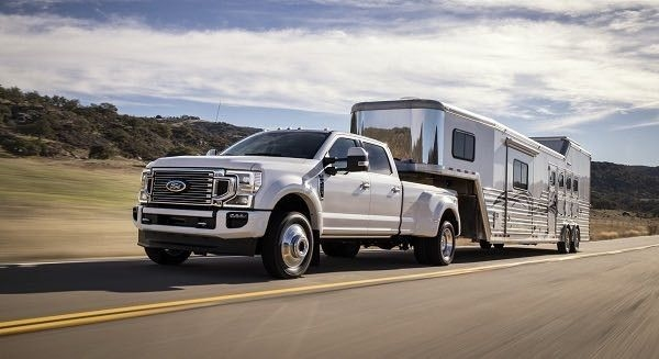 2020_Ford_F_450_Super_Duty_1