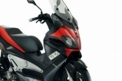 Aprilia Working on 160-cc Maxi-Scooter to Take on Suzuki Burgman in India