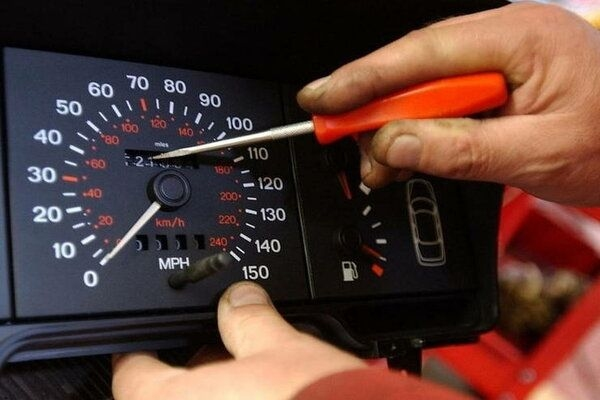 Odometer Tampering: What is It and How to Avoid It?