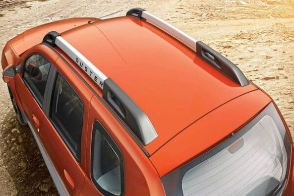 Copper Color Renault Duster Roof
