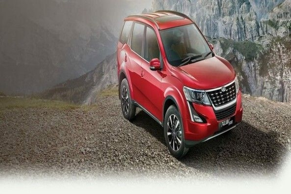Red Color Mahindra XUV500 Top Profile