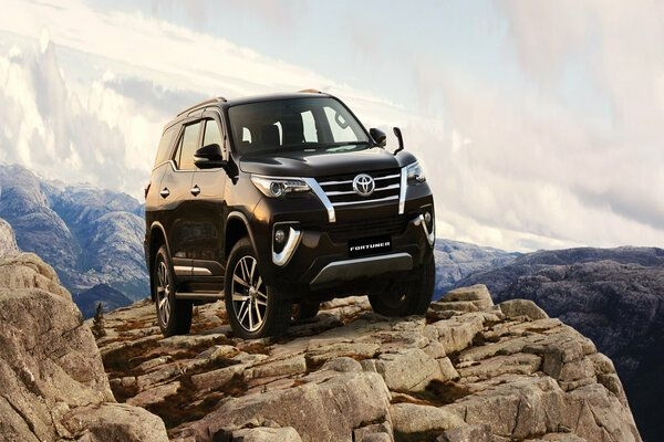 Toyota Updates Fortuner and Innova Crysta With New Features in India