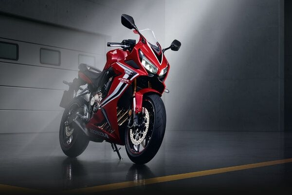 Honda Launches All-New 2019 CBR 650R in India at Price of Rs. 7.7 Lakhs