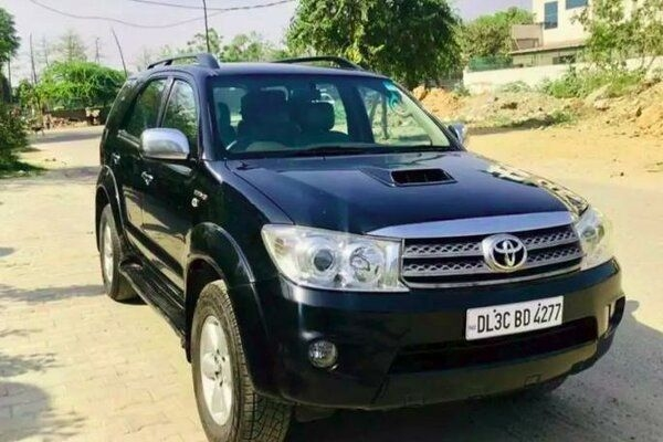 List of 5 Best Used Toyota Fortuner Options in India Under Rs. 11 Lakhs