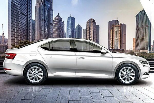 Skoda Discloses Unveil Date of Facelifted Model of Superb Sedan