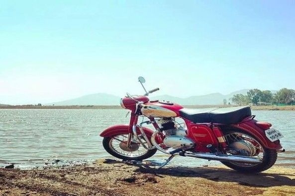 Old Time Royal Enfield Challengers