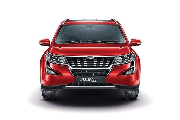 Top Model of Mahindra XUV500 To Get Apple CarPlay Support