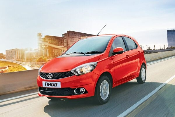 Tata Tiago NRG Now Available With AMT Automatic Gearbox in Market