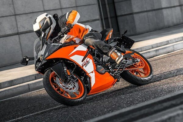 KTM To Soon Launch Fully-Faired 125-cc Motorcycle in India