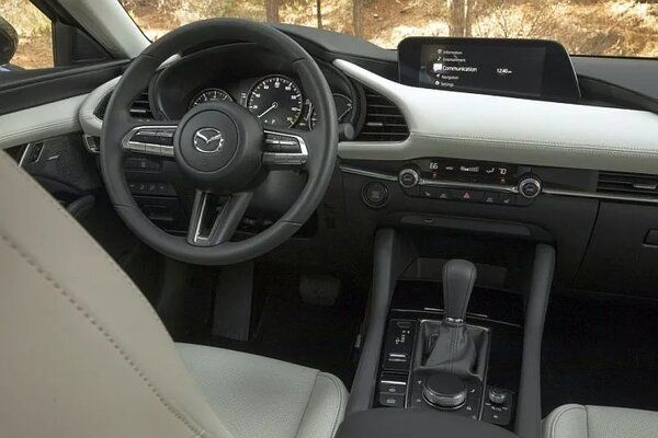 Mazda To Stop Offering Touchscreens in Cars