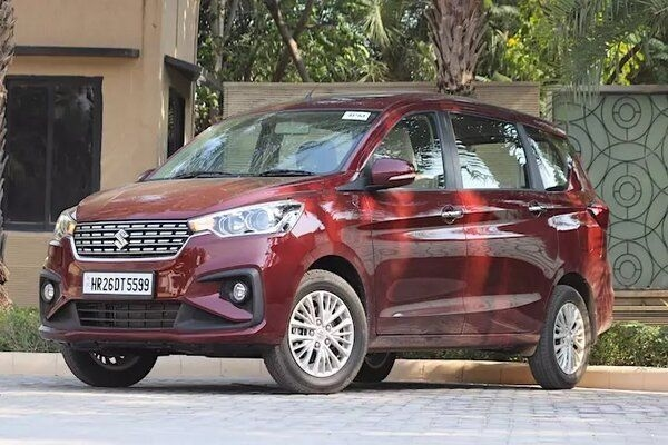 New Spyshots of 6-Seater Maruti Ertiga MPV Reveal Exterior Looks of Vehicle