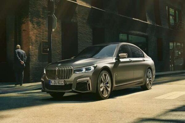 BMW Launches Updated 2019 7-Series in India, Prices Start at Rs. 1.22 Crore