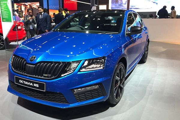 Skoda Octavia vRS 245 Launched at Rs 35.99 Lakhs