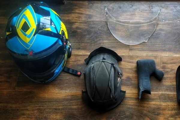 How to keep your helmet clean to avoid attracting Coronavirus