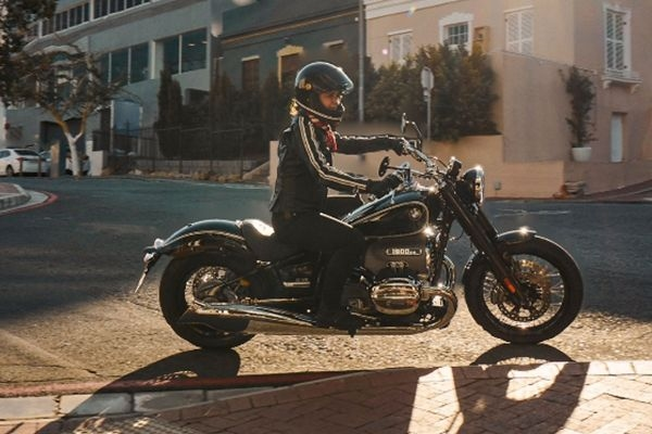 BMW R18 Cruiser Motorcycle Unveiled