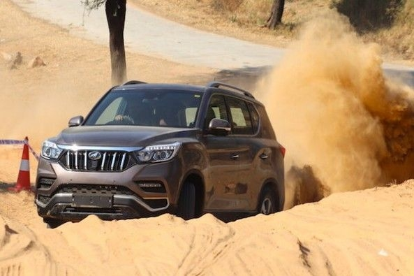 Mahindra Alturas G4 Front Profile Off-Roading