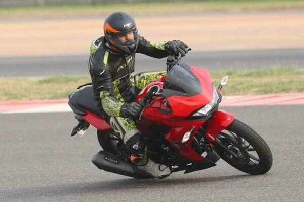 Red Color Hero Xtreme 200S on Track