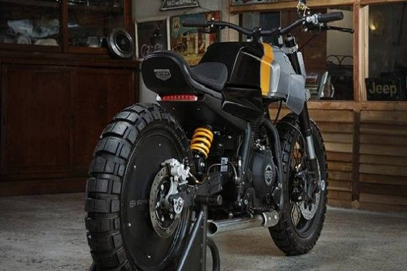 customized Royal Enfield Himalayan