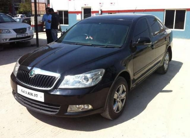 Skoda Laura AMBITION 2.0 TDI CR AT 2011