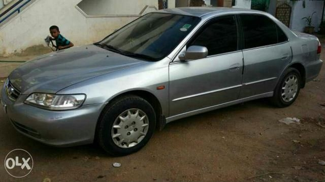 Honda Accord 2.3 VTI MT 2002