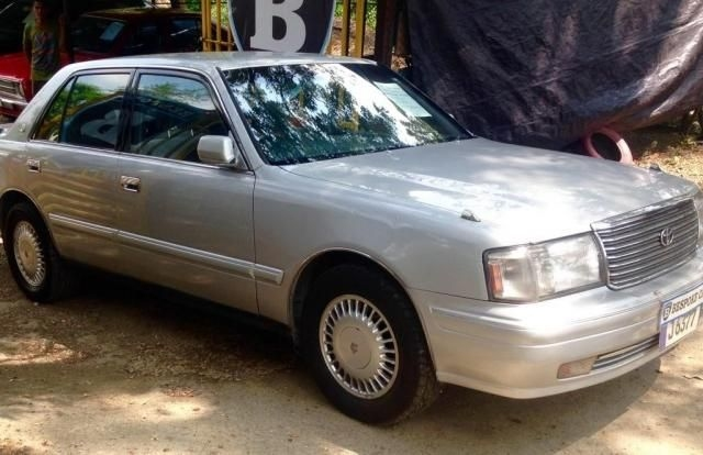 Toyota Crown Royal Saloon 1998