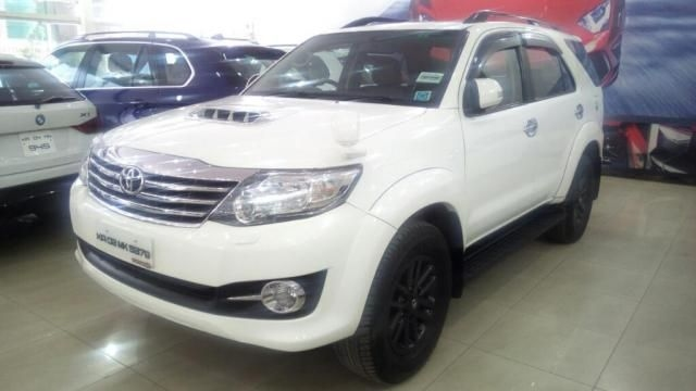 Toyota Fortuner 4x4 AT 2015