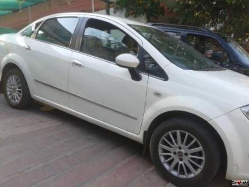 Fiat Linea Emotion Multijet 1.3 2012