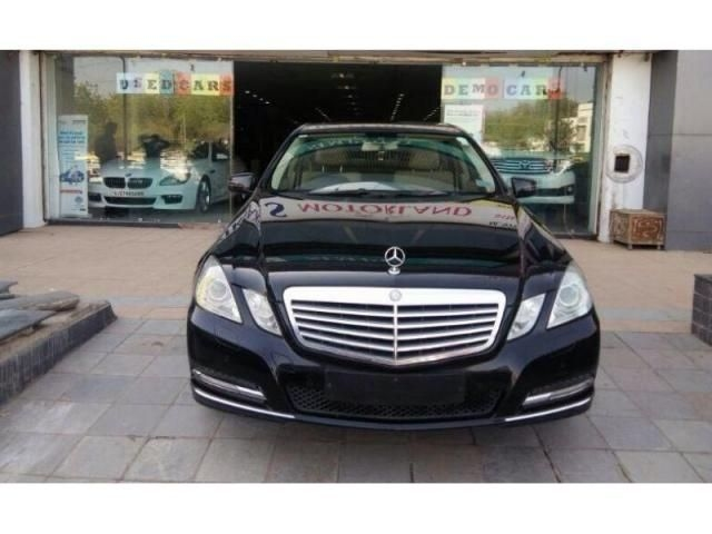 Mercedes-Benz E-Class E220 CDI Blue Efficiency 2012