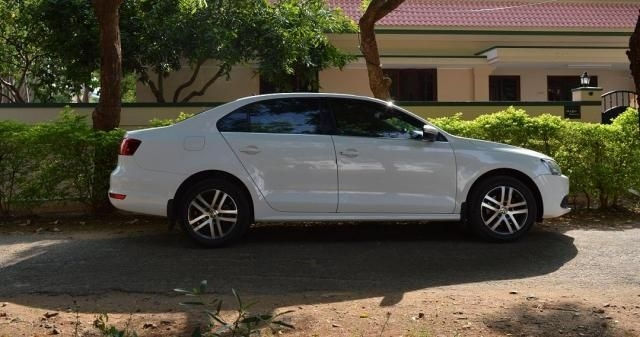 Volkswagen Jetta 2.0L TDI Highline AT 2014