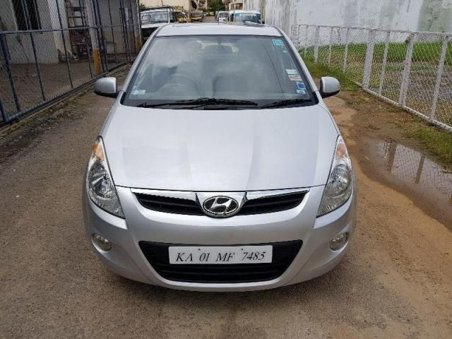 Hyundai i20 Asta 1.2 (O) With Sunroof 2010