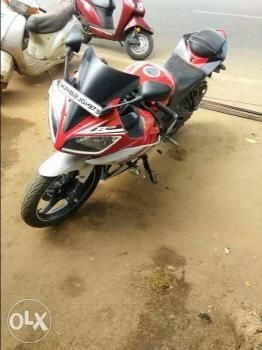 37 Used Yamaha Yzf-r15 Motorcycle/bike 2016 model for Sale