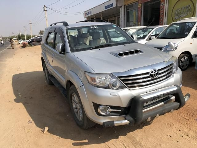 Toyota Fortuner 2.5 4x2 AT TRD Sportivo 2013