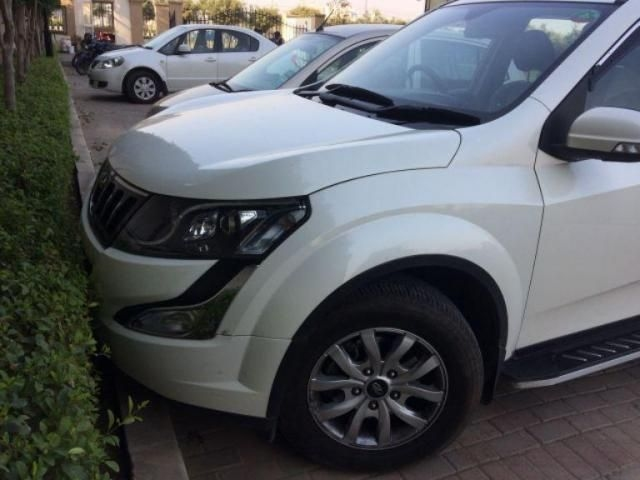 Mahindra XUV500 W10 AT 1.99 2017