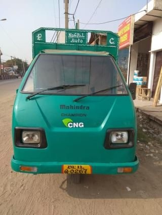 MAHINDRA CHAMPION LOAD CNG 2011